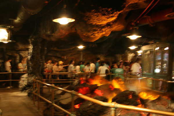 [Tokyo DisneySea] Journey to the Center of the Earth TDSea1_124